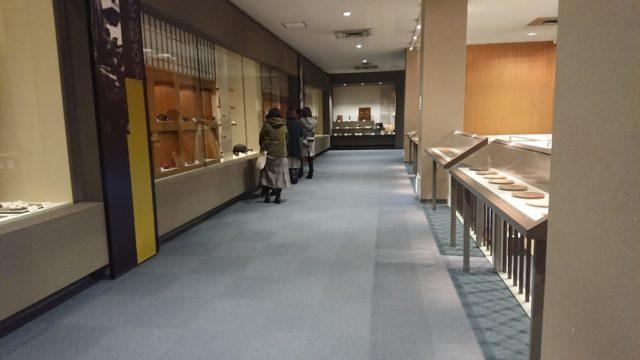 石川県立伝統産業工芸館の2階