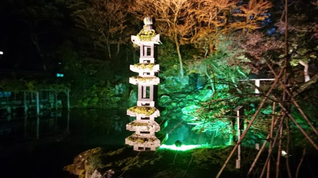 海石塔のライトアップ